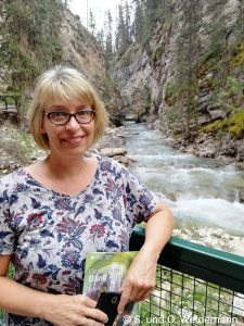 Susanne im Johnston Canyon