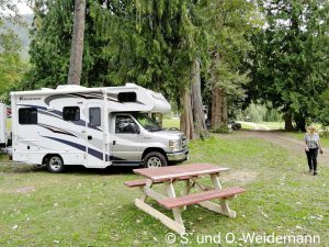 "Auf dem Campingplatz ""Family Tree Riverside"""