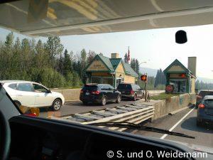Kontrollstelle bei der Einfahrt in den Jasper Nationalpark