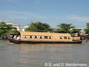 Ein kleines Kreuzfahrtschiff