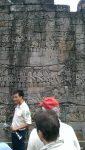 Radeit erklärt die Reliefs am Bayon